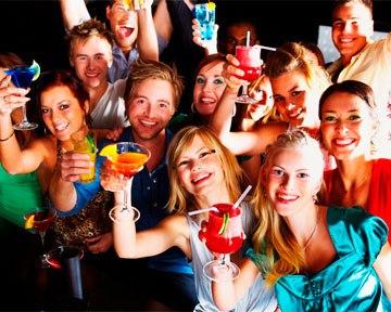 С друзьями жену на домашней вечеринке